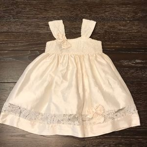 Boutique Flower Girl dress in perfect condition